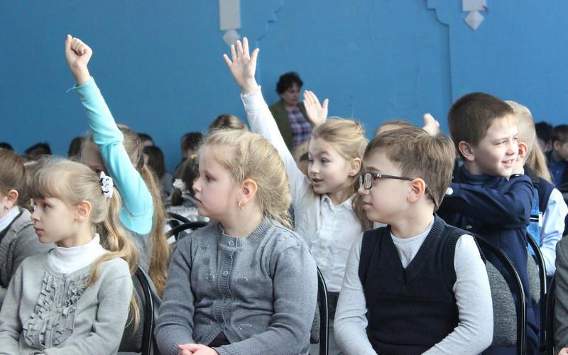 Брянские школьники усвоили полезные советы от инструкторов «Лизы Алерт»