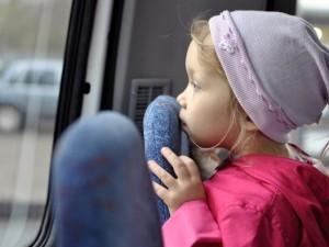 Пятилетняя девочка сбежала из дома от отца