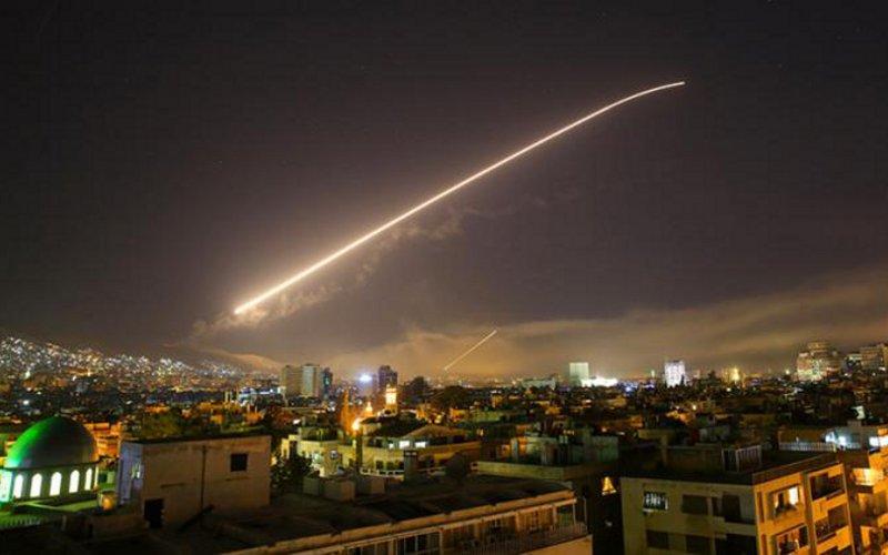 США иихсоюзники выпустили более 100 ракет поСирии