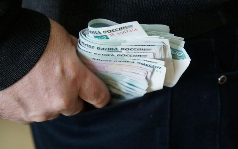 Погарские полицейские быстро нашли укравшего деньги вора