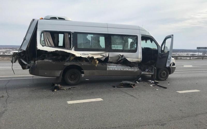 В ужасном ДТП под Выгоничами пассажиру маршрутки оторвало ногу