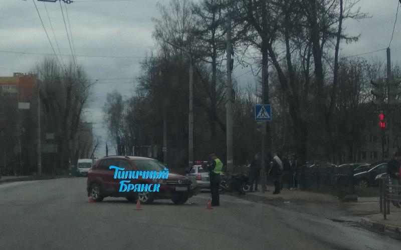 В ДТП возле Брянского диагностического центра пострадал молодой байкер