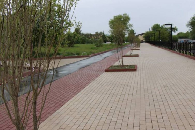 В Брянске на Набережной построят детскую площадку и кафе