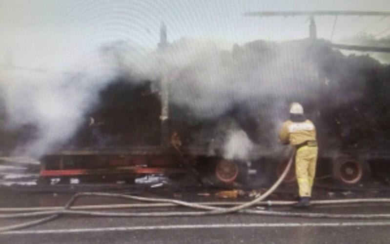Натрассе Сураж— Унеча загорелся автопоезд