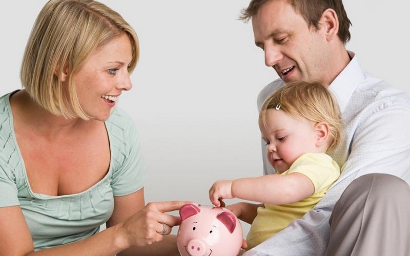 Сколько денег необходимо средней российской семье для нормальной жизни