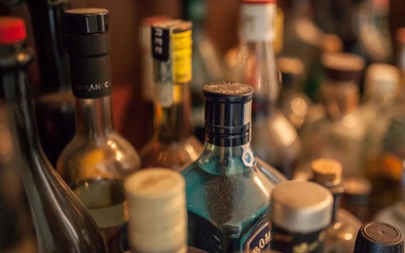 Брянец получил условный срок заторговлю поддельным алкоголем