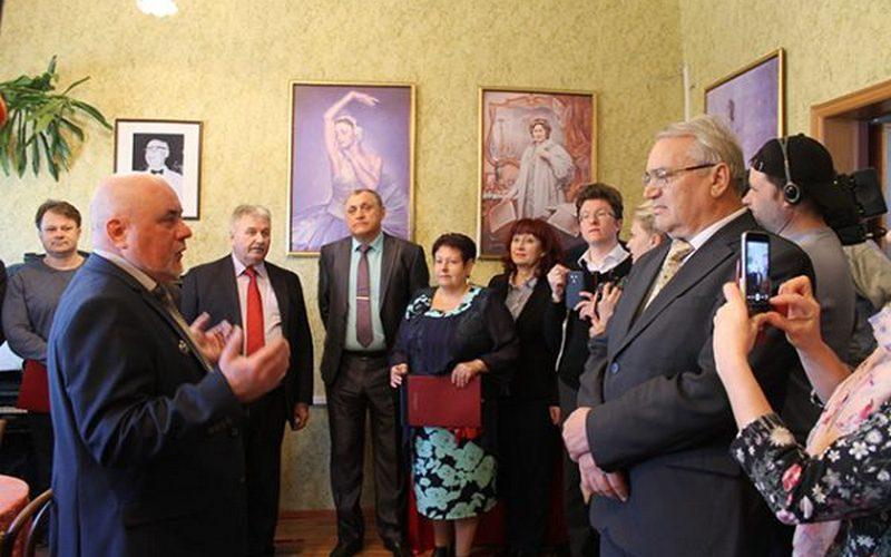 В Погаре открыли музей имени известного импресарио Сола Юрока