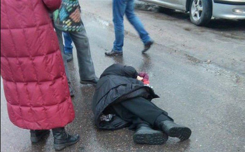 Водители задним ходом сбили трех пенсионерок вБрянске