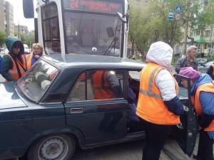 Пенсионеры попали под трамвай по дороге на дачу