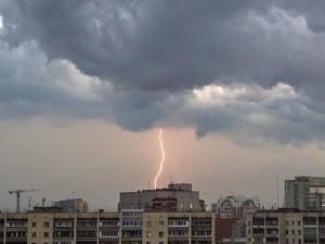 МЧС продлило действие штормового предупреждения
