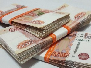 На взятке в 300 тысяч рублей полицейскому взяли посредников