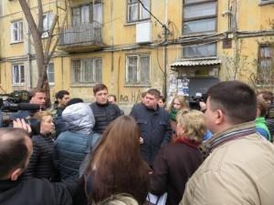 60 лет без ремонта. Акция протеста жильцов дома на улице Вагнера