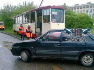 Авария на трамвайных путях в Ленинском районе