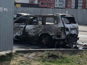 Mercedes сгорел ночью