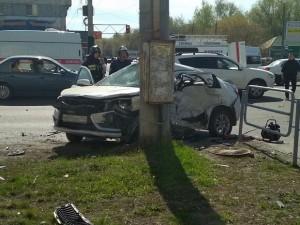 Публикуем ВИДЕО с места автокатастрофы, где в столкновении 4-х машин погиб пассажир