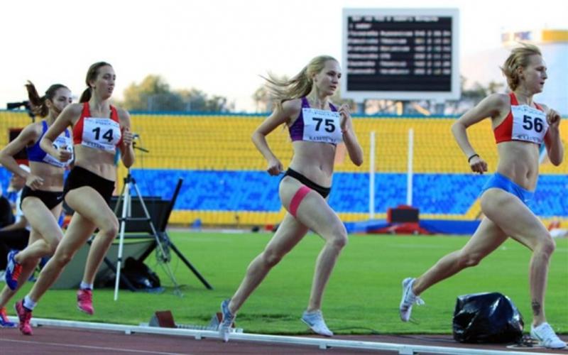 Брянские студенты-легкоатлеты завоевали три медали на всероссийских стартах