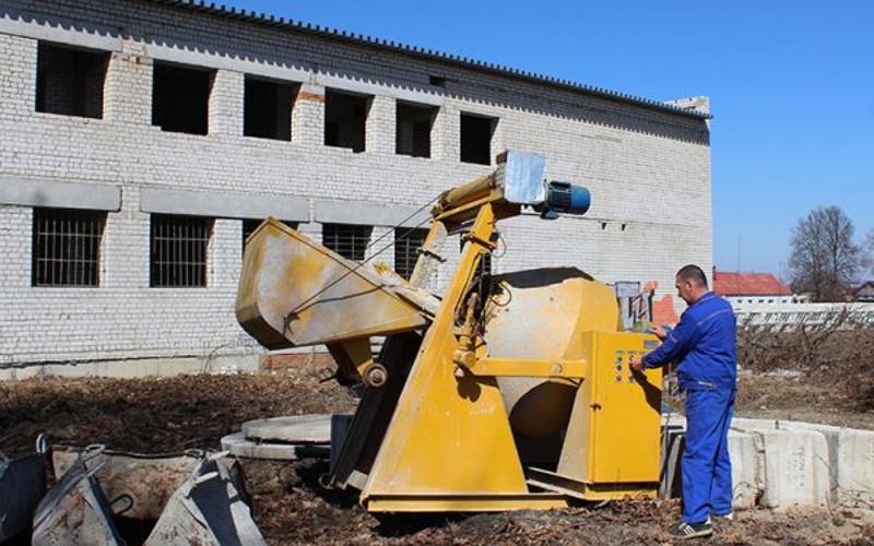 В Комаричах возобновили строительство физкультурного комплекса