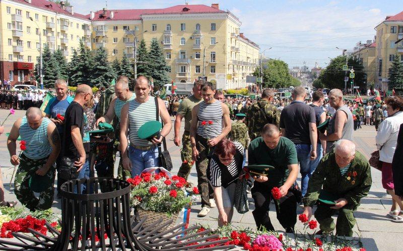 100-летие пограничной службы отметили в Брянске митингом