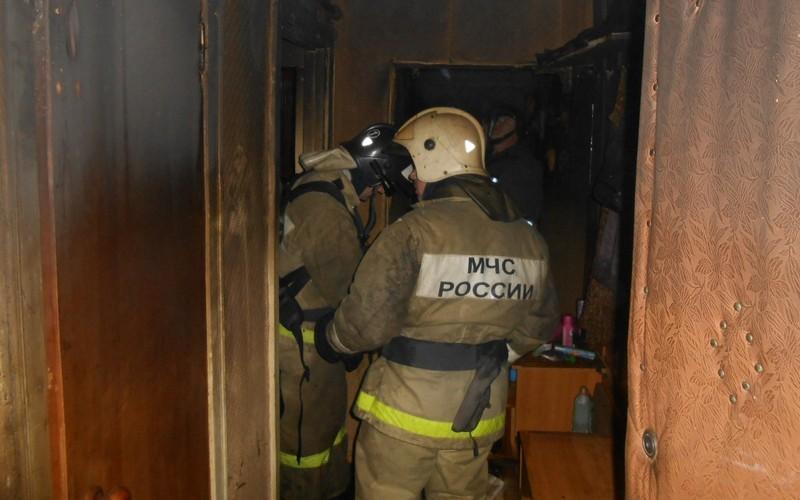 В Суземке в горящей квартире погибли два человека