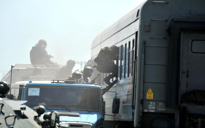 В Навлинском районе в ходе учений силовики обезвредили банду террористов