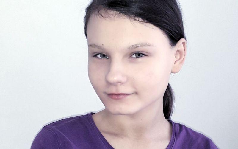В Брянске без родителей осталась 13-летняя девочка Юлия