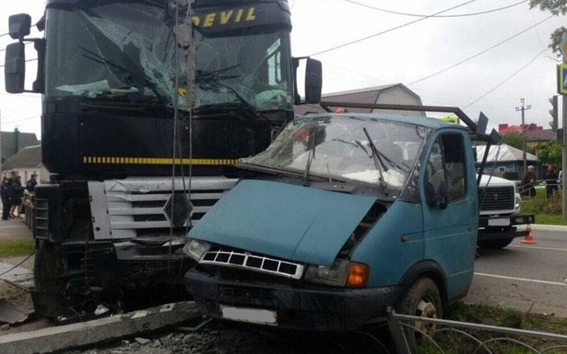 Встрашном ДТП вКарачеве погиб 30-летний мужчина