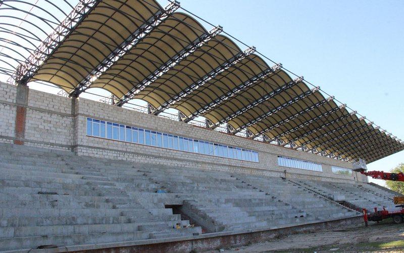 В Брянске строительство стадиона «Десна» идет по плану