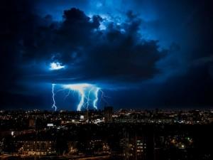 Штормовое предупреждение: в Челябинской области объявили о грядущем шквале
