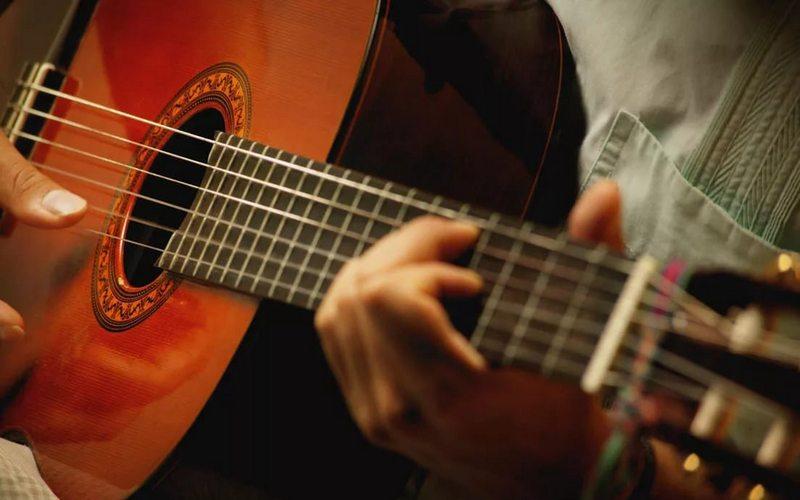 Брянцев приглашают на концерт гитаристов-виртуозов