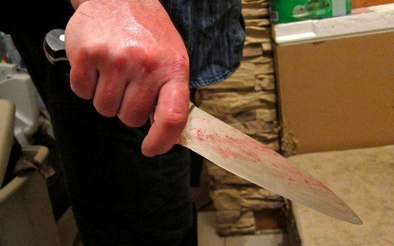 Житель Выгоничского района зарезал односельчанина