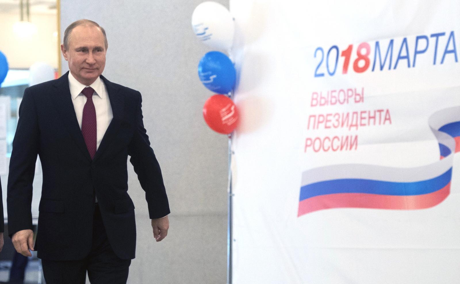 Три лучше, чем два: вГосдуму внесли законопроект отрех президентских сроках