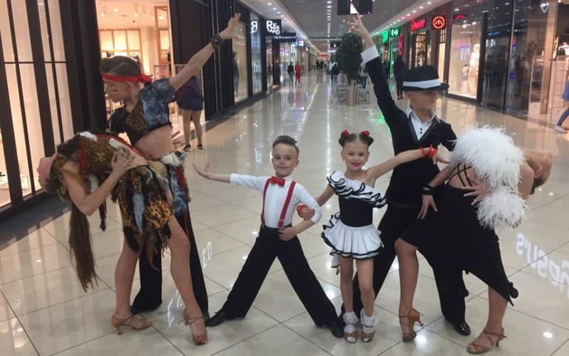 Брянцы смогут увидеть фотоработы известного учителя танцев