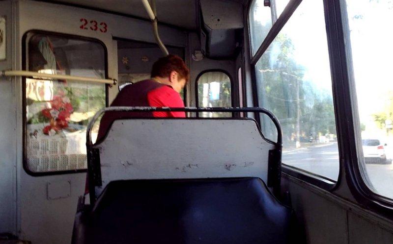 Пенсионеркасломала позвонок вбрянском троллейбусе