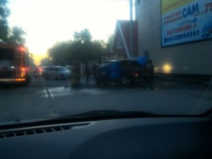Огонь не пожалел дорогой автомобиль в Челябинске
