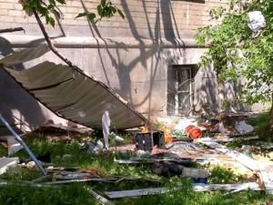 После взрыва в доме жильцы возвращаются. В пяти квартирах жить по-прежнему нельзя