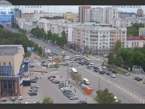 Обрыв проводов привел к остановке движения в центре Челябинска