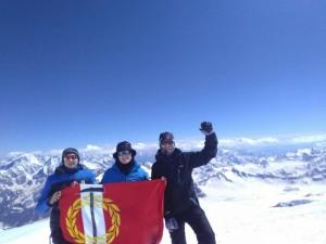 Дети Копейска поднялись на Эльбрус. До вершины осталось совсем немного
