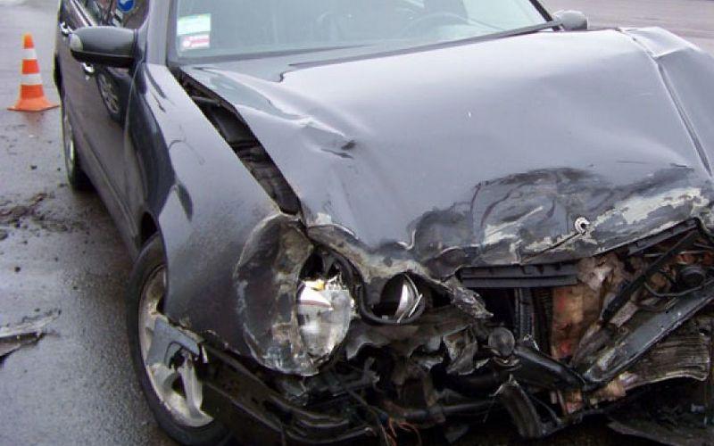 Под Брянском столкнулись три легковушки — пострадала автоледи