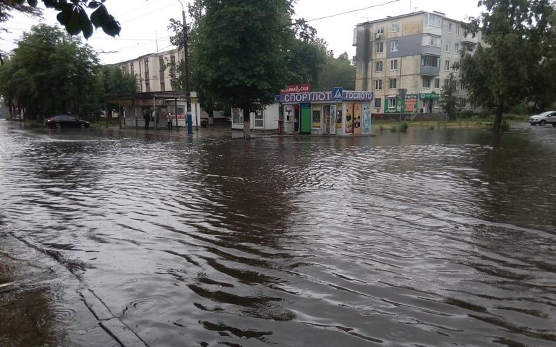 После ливня Брянск превратился в Венецию