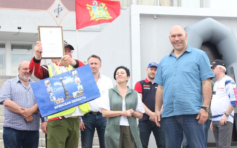 Победитель Кубка брянского правительства поймал в Десне 1,3 килограмма рыбы