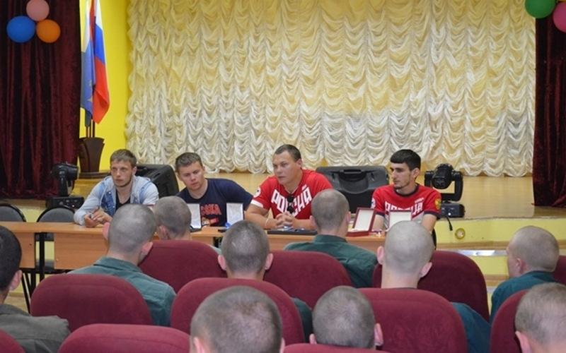 Именитые паралимпийцы навестили брянских осужденных