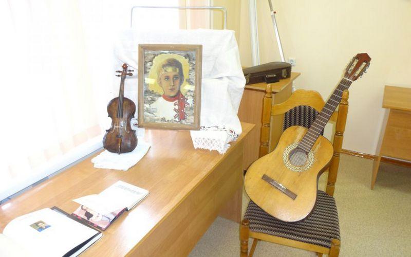 Брянцы почтили память безвременно ушедшего певца Максима Трошина