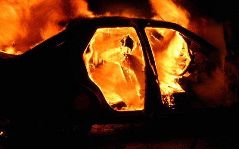 Наулице Пролетарской вБрянске ночью сгорел автомобиль