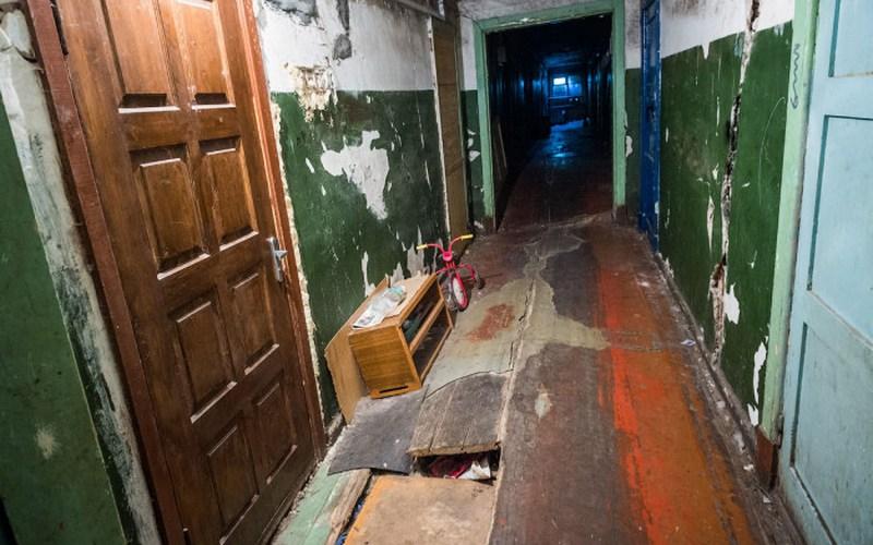 В Брянске две тысячи человек живут в аварийных домах