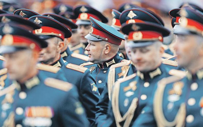 Минобороны переоденет офицеров висторическую форму