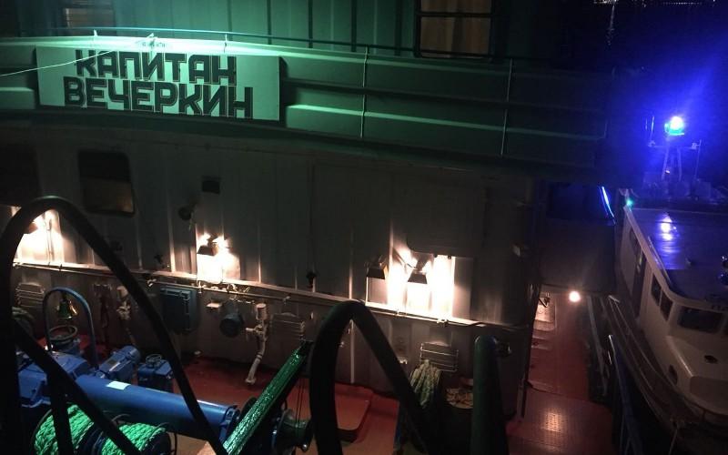 11 человек погибли врезультате столкновения вВолгограде катамарана сбаржей