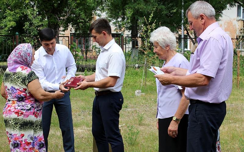 В День память и скорби белобережским ветеранам вручили медали
