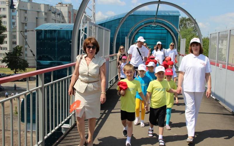Настанции Брянск-Льговский открыли новый пешеходный мост