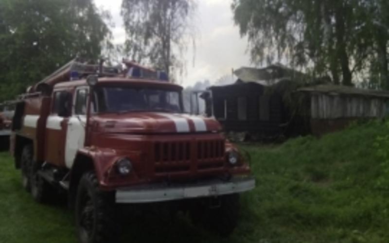 В Брянской области в пожаре погибли молодой мужчина и пенсионерка
