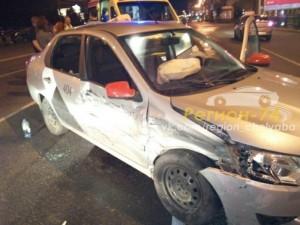 Пассажирка «Яндекс. Такси» пострадала от осколков в ДТП на проспекте Ленина